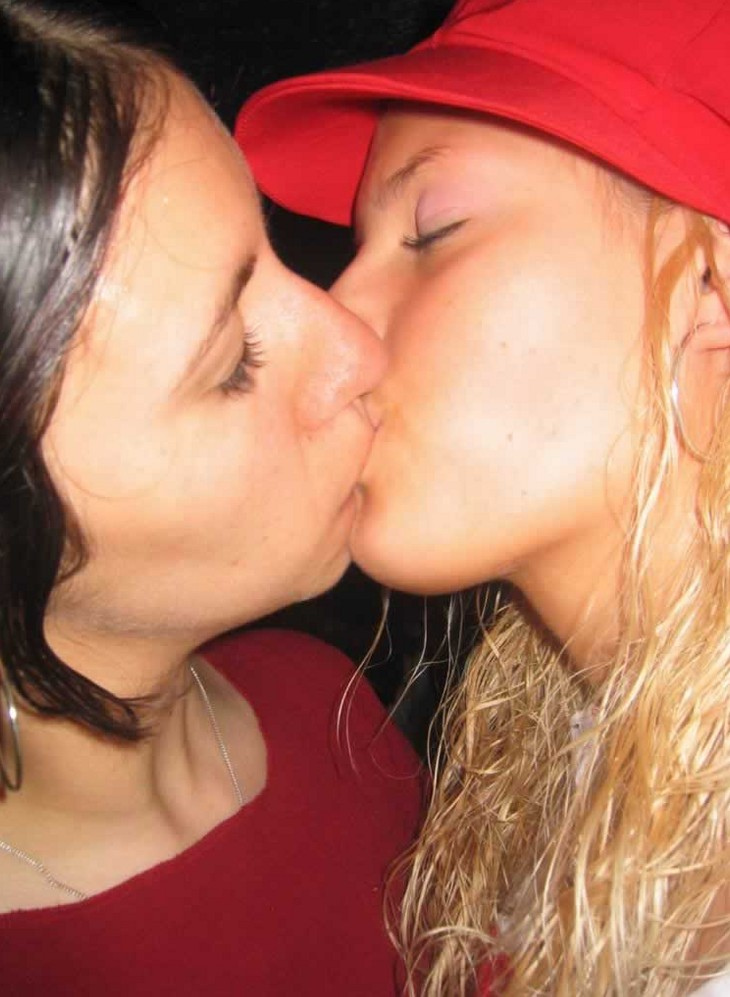 drunk girls kissing